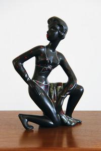 Kalmar black lady figure_front