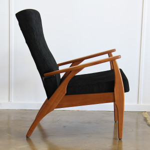 TH Brown Black Armchair_single_side