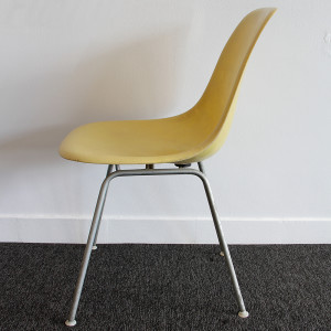 eames chair_crop