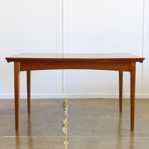 fler 64 dining table_crop