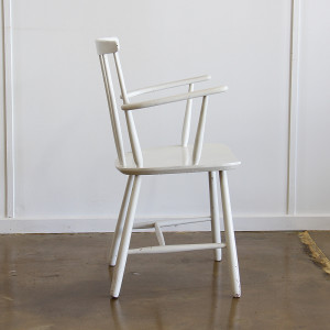 spindle back chair_side
