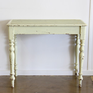 vintage turned leg table_front